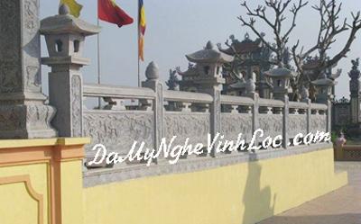 Khuôn viên đền, chùa, cột đá 04